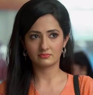 Puja Sharma Biography, Age, Wiki, Place of Birth, Height