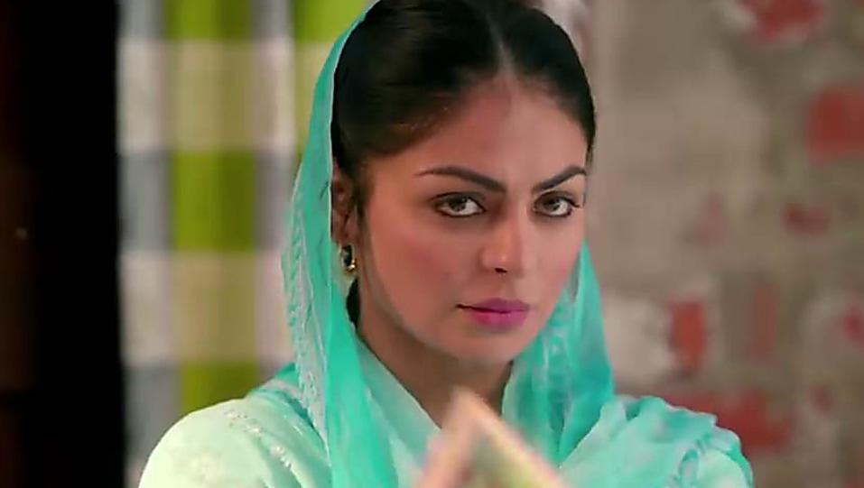 Neeru Bajwa Grey Jutti Or Mojari Matching With Look From Laung