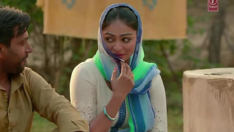 Neeru Bajwa Silver Earrings Matching With Look From Laung Laachi