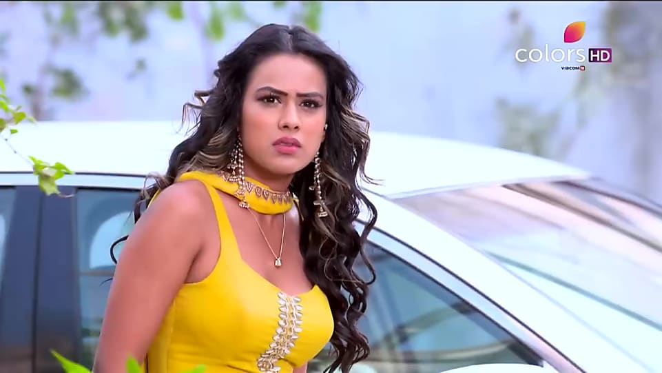 Nia Sharma Yellow Suits look Promo style inspiration | Ishq Mein