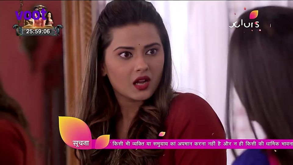 Kratika Sengar Red Kurta and Black Jeans look, Episode 581