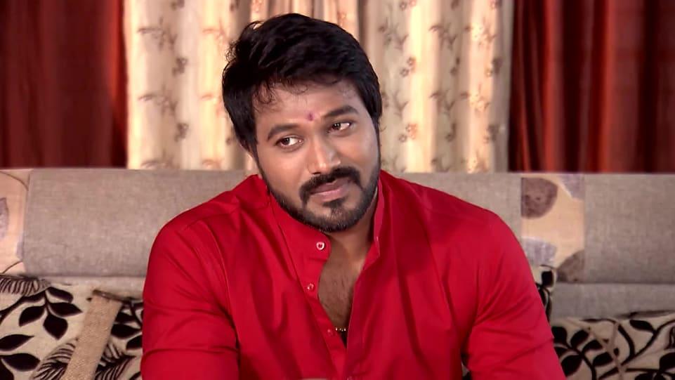 Kaushal Manda Red Kurta and Orange Churidar look, Episode 535 style