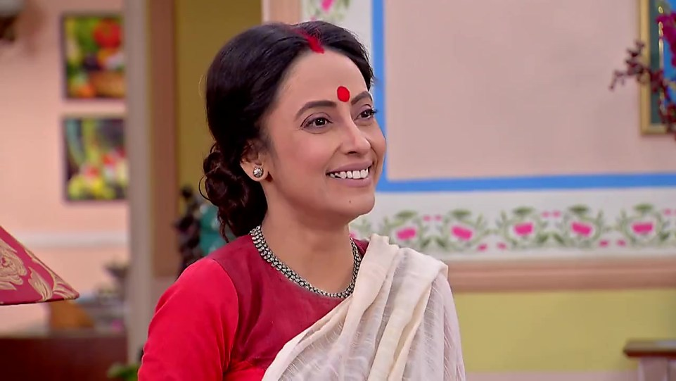 Mallika Majumdar Red Blouse look Episode 393 style