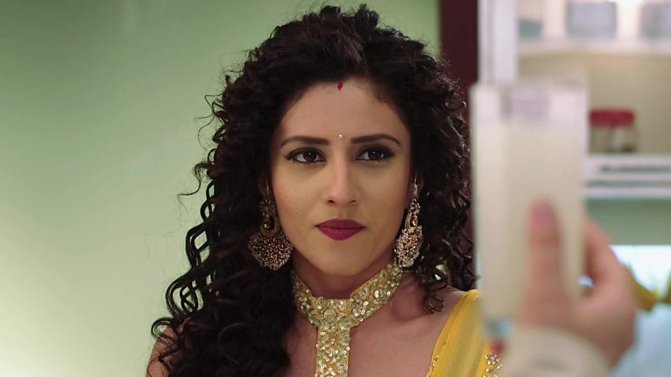 Kinjal Pangya Yellow Blouse look Episode 147 style