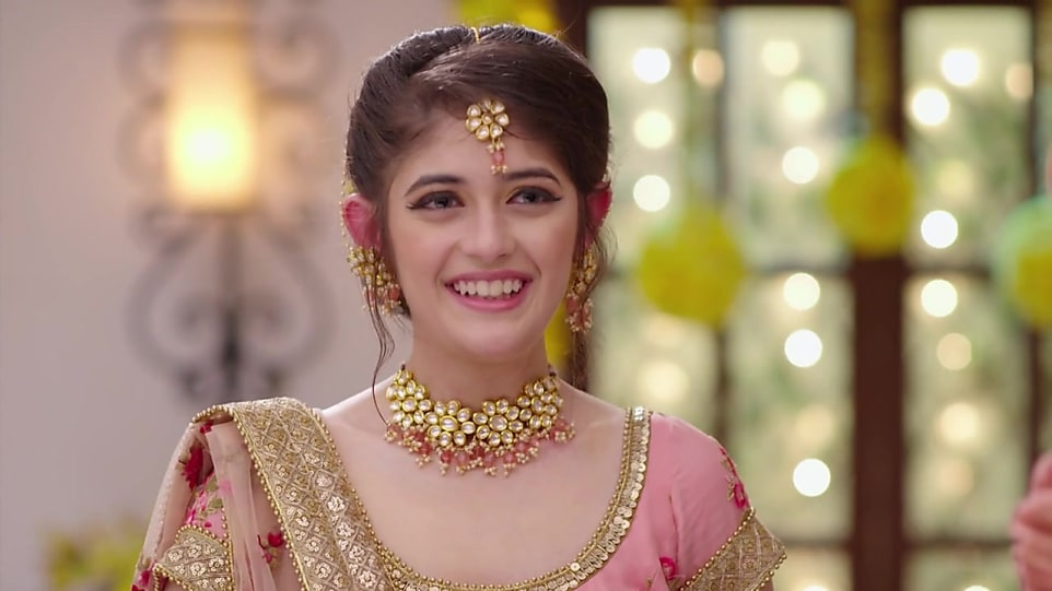 Urvi Singh Biography, Age, Wiki, Place of Birth, Height