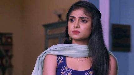 Shikha Singh Black Blouse look Episode 1424 style