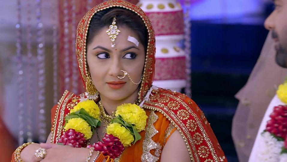 Sriti Jha Orange Lehenga look Episode 1303 style inspiration