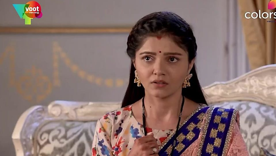 Rubina Dilaik Gold Bali matching with look from Episode 337