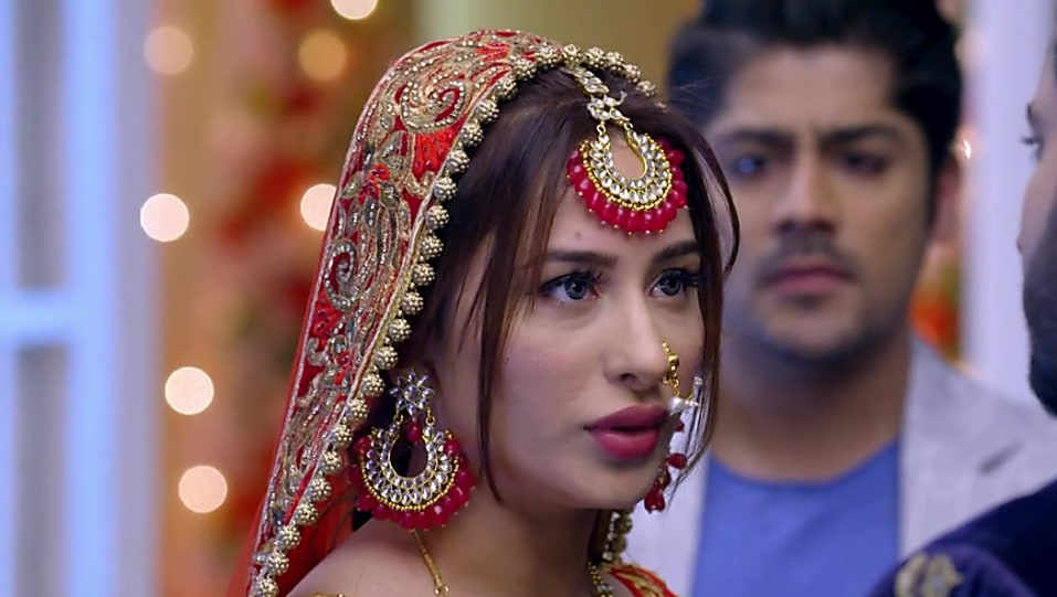 Mahira Sharma Red Lehenga look Episode 428 style inspiration