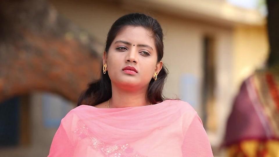 Community Wall of Divya Banu in Episode 379 | Azhagiya Tamil