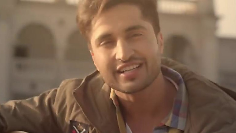 Jassi Gill Brown Jacket and Brown Cargo look, Guitar Sikhda