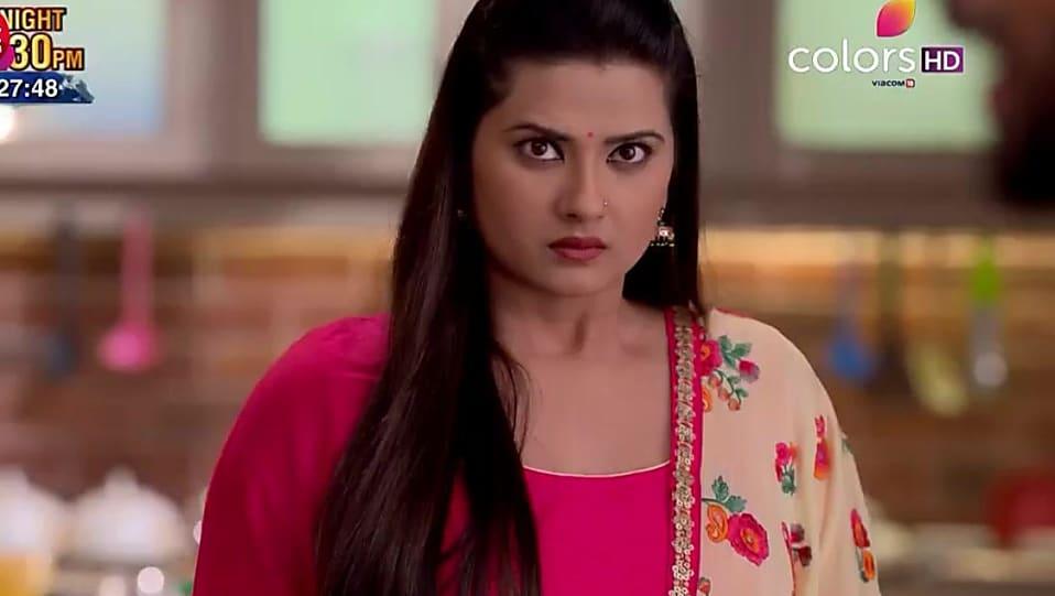 Kratika Sengar , Bangles matching with look from Episode 416