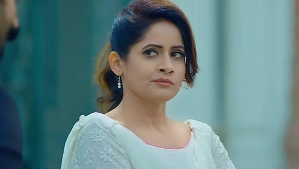 Miss Pooja White Salwar And Dupatta look, Jeeeju style