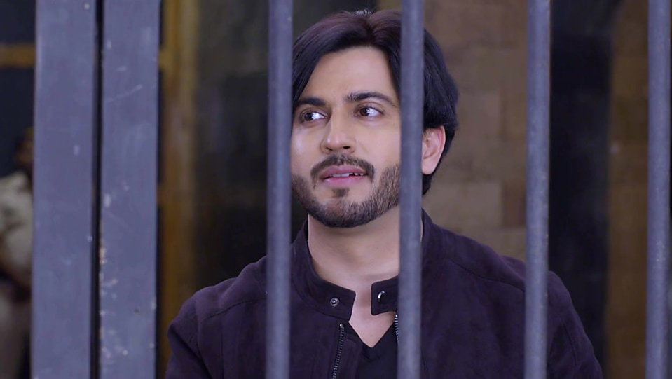 Dheeraj Dhoopar Black Watch matching with look from Episode 401