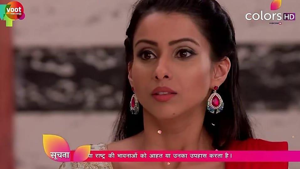 Praneeta Sahu Red Saree look, Episode 352 style, Kasam - Tere Pyaar
