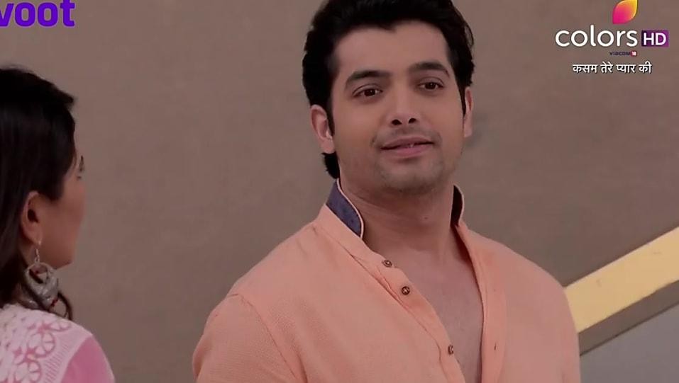 Sharad Malhotra Orange Shirt and Blue Jeans look, Episode