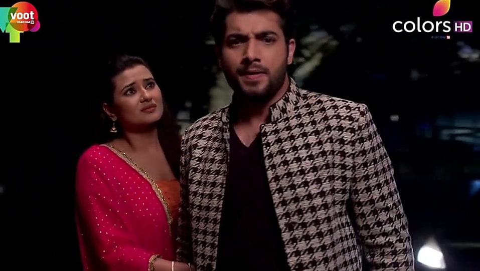 Kratika Sengar Green Jhumki matching with look from Episode