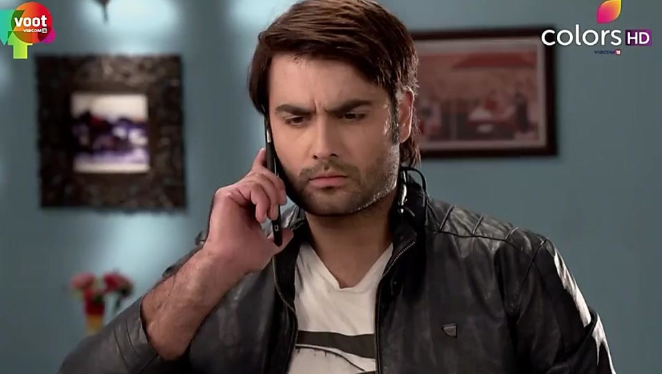 Vivian Dsena Silver Watch matching with look from Episode 402