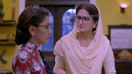 Get Aparna Mishra Warm Makeup Look look in Kumkum Bhagya