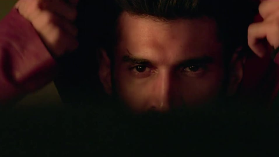 Aditya Roy Kapur Celebrity Style In Official Trailer Malang 2020 From Official Trailer Charmboard