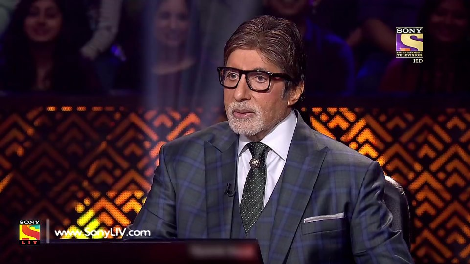 Amitabh Bachchan White Suits look Kbc 10 Episode 26 style