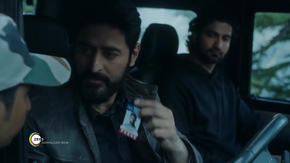 Mohit Raina Black Shirt and Blue Jeans look, Kaafir Official Trailer