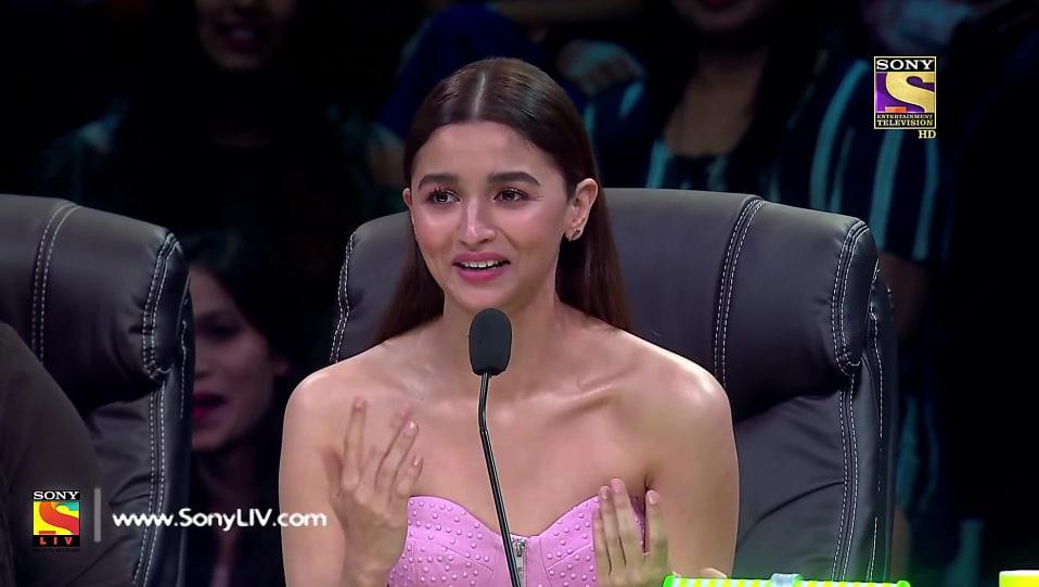 Alia Bhatt Pink Dress look Episode 14 style inspiration | Super
