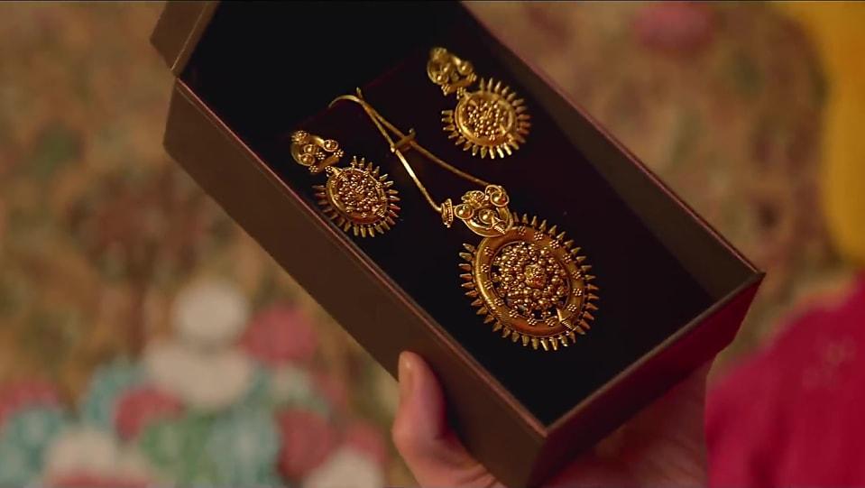 Tanishq look, Aao Manaaye Tanishq Wali Diwali style inspiration