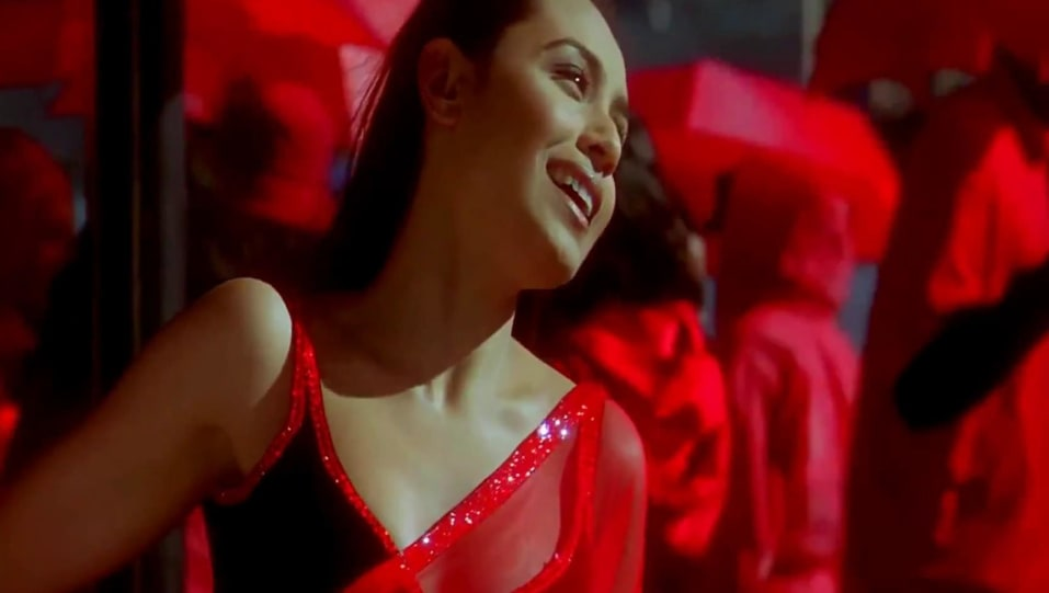 Rani Mukerji Celebrity Style In Tumhi Dekho Na Kabhi Alvida Naa Kehna 2006 From Tumhi Dekho Na Charmboard