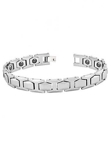 Armaan Jain Silver Bracelet Matching With Look From Maaloom Lekar