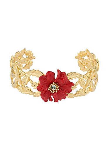 Aparna Dixit Gold Bracelet matching with look from Bepannah