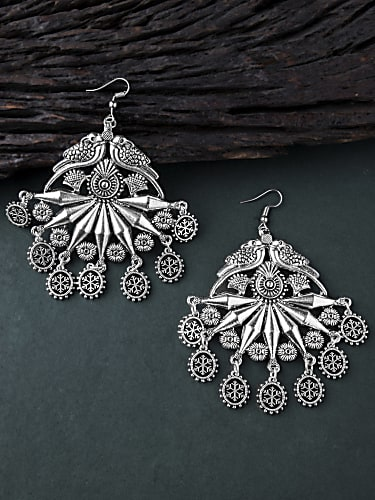04f5288bf Akshita Mudgal Silver Earrings matching with look from Promo ...