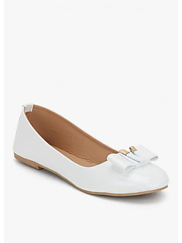 fadb01b4379 Sunny Leone White Shirt look Ishq Da Sutta style inspiration | One ...