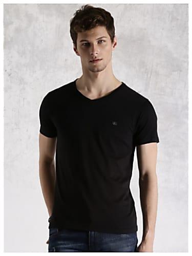 Aham Sharma Black T-shirt and Brown Trouser look, Episode 32