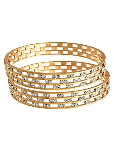 cde587a135939 Namrata Thapa Gold Bangles matching with look from Episode 113 ...