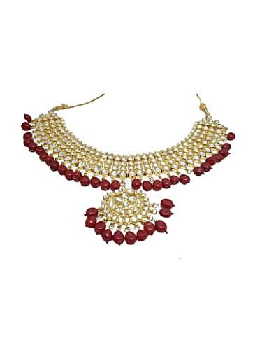 bf00a2e28c5 Tejaswi Prakash Wayangankar White Bracelet matching with look from ...