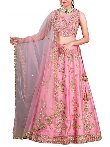 Shikha Talsania Pink Lehenga look Laaj Sharam style ...