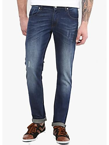 d3c722c9d1 Kartik Aaryan White Shirt and Blue Jeans look