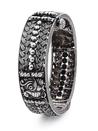 44161d3759 Haritha Silver Bangles matching with look from Episode 1147, Muddha ...