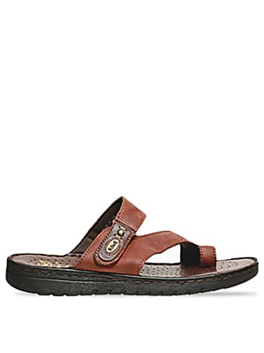 0c29d30e8 Kaushik Chakraborty Brown Flip Flops matching with look from Episode ...
