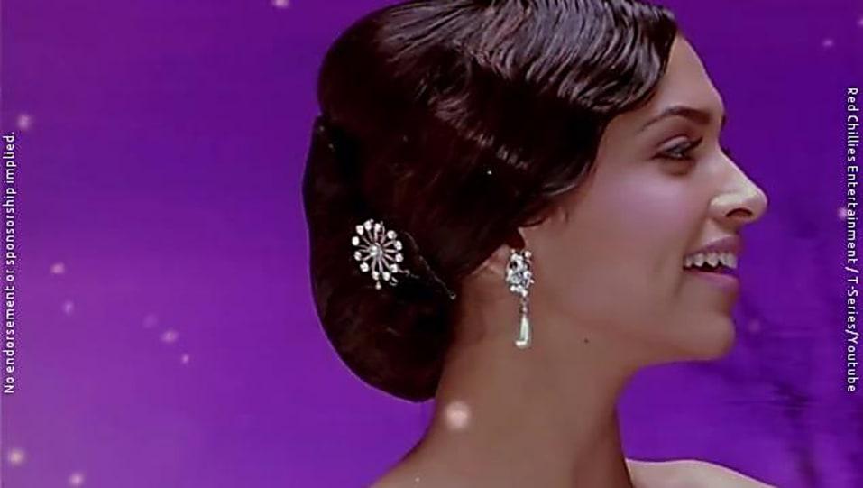 Deepika Padukone Om Shanti Om Black Dress - Deepika ...