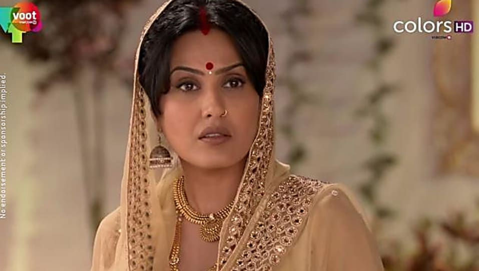 Preeto Harak Singh Gold Bangles matching with look from Episode 170