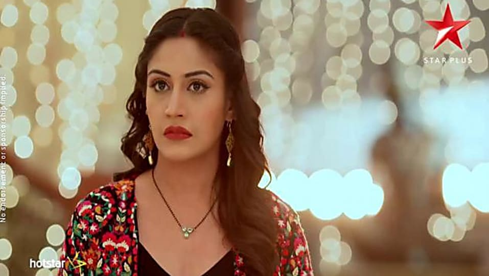 Surbhi Chandna Black Jacket look, Episode 229 style, Ishqbaaaz