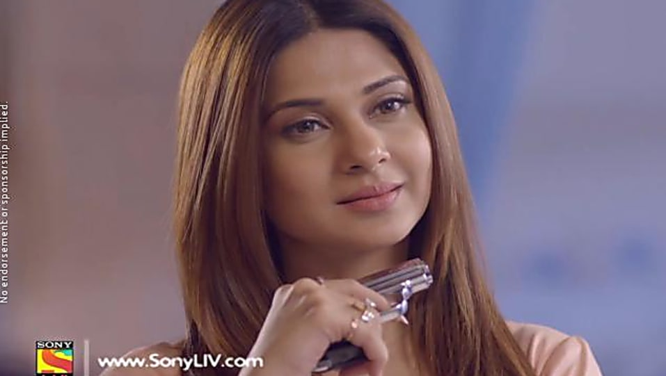 Jennifer Winget Grey Dress look Episode 157 style inspiration