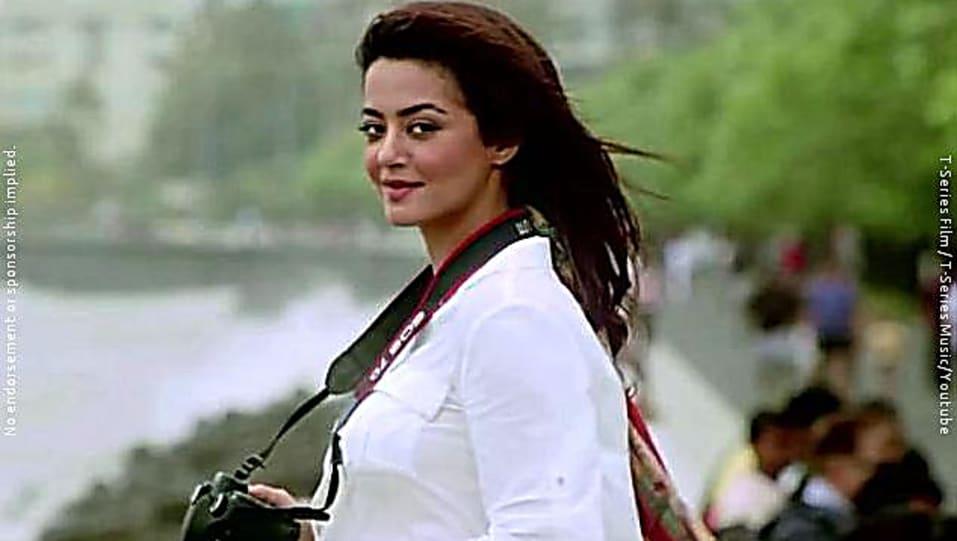 Surveen Chawla White Shirt Look Kabhi Aayine Pe Style Inspiration