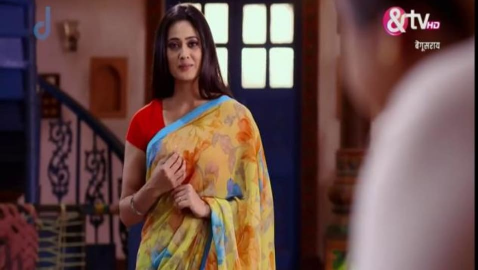 Shweta Tiwari Celebrity Style In Begusarai Episode 54 2015 From Episode 54 Charmboard In 2011, she won the reality show, bigg boss 4 with rs 10 million as prize money and appeared on. saree