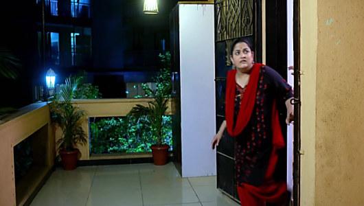 Purnima Talwalkar Black Kurta and Red Salwar look, Episode