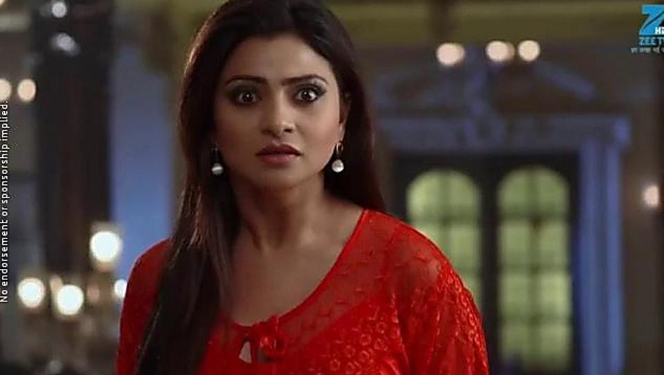 Aleeza Khan Gold Bali matching with look from Episode 418, Ek Tha