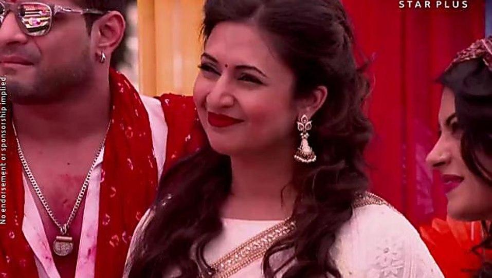 Divyanka Tripathi White Kurti look Episode 1097 style