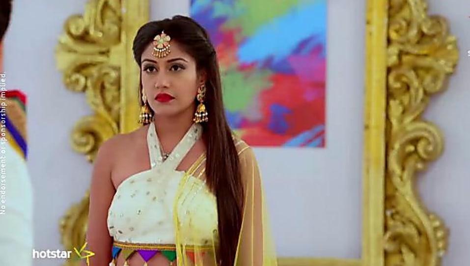 Surbhi Chandna Orange Lehenga look Episode 247 style inspiration